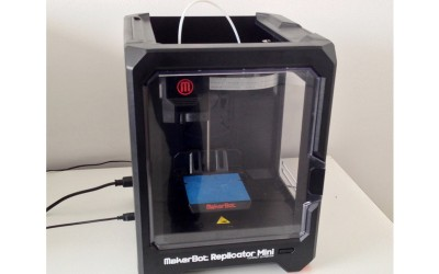 IMPRESORA 3D MAKERBOOT REPLICATOR MINI